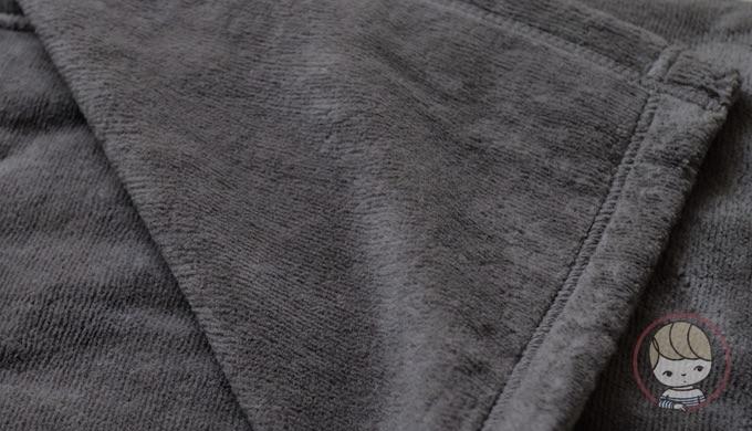 無印良品「綿シール織毛布」(2016年購入)独特の光沢感