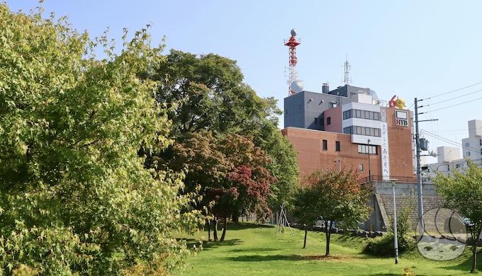 平岸高台公園から見た南平岸HTB旧社屋